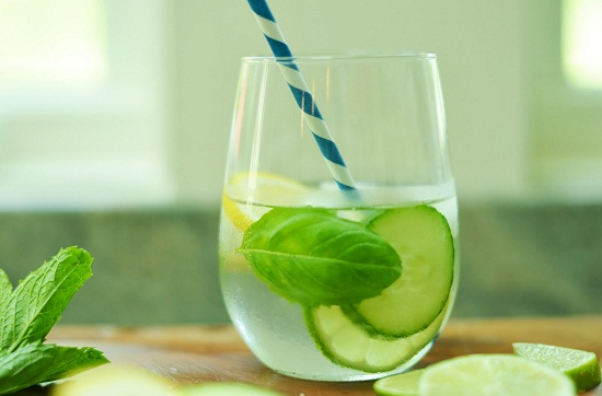 3 loại nước súc miệng giúp con khỏi đau họng